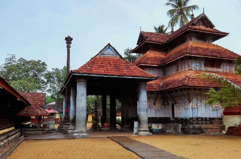 Main entrance (nada) of Thiruvanchikkulam Temple